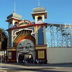"Luna Park Melbourne <a style=""margin-left:10px; font-size:0.8em;"" href=""http://www.flickr.com/photos/23722741@N04/5421271289/"" target=""_blank"">@flickr</a>"