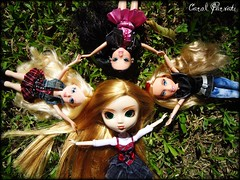 friends or just a group shot? (Carol Parvati ™) Tags: party doll dolls alice lexa pullip girlz mga moxie avery picnik bratz 2010 cloe junplanning imsmart magichair iamsmart craziia mgae crazzia headgamez moxiegirlz carolparvati bratzparty votória