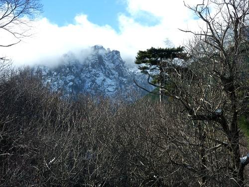 Punta Bigornu, Punta di l'Acellu et Punta Arietta (dans les nuages) depuis la MF d'Arza