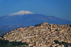 Gangi - Sicily (Giuseppe Finocchiaro) Tags: landscape town nikon sicily etna gangi sicilia paesaggio vulcano citt wolcano bellitalia