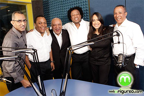 Jochy Santos, celebra su 15 aniversario.j