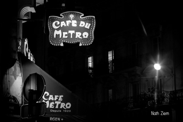 paris_night_cafe_metro