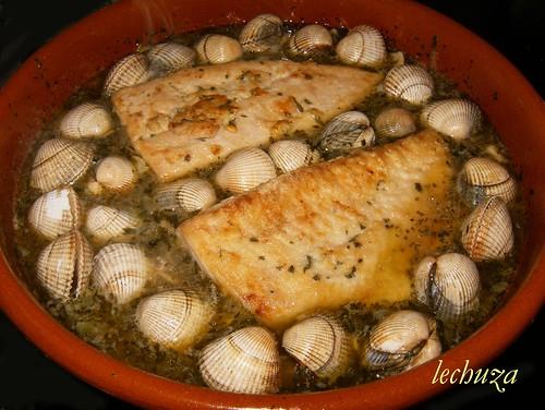 Castañeta en salsa verde-poner pescado