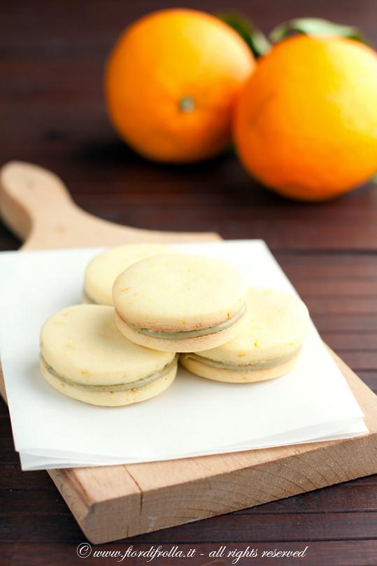Biscotti al burro salato e arancia con crema di pistacchio di Bronte