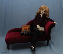 Seating (Little little mouse) Tags: bjd dollfie faye chaiselongue hds phai musedoll
