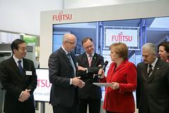 017_CeBIT_Fujitsu_Blog_Merkel_-20110301-100824 (Fujitsu_DE) Tags: cebit halle2 erstertag cebit2011 cebit11
