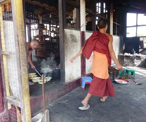 Kengtung-Temples-Moines (4)