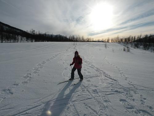 Eirin skiing