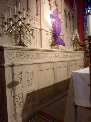 P1080585-2011-03-13-All-Saints-Episcopal-Church-Altar