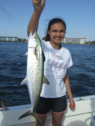 Miriam catches a BIG spanish mackeral