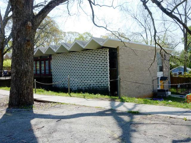P1090456-2011-04-04-Ormewood-Park-Presbyterian-Church-Modern-Fellowship-Hall-1950