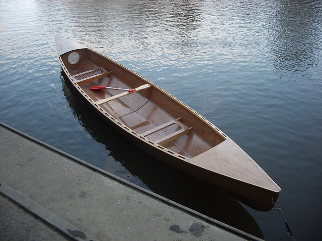 New Eureka Canoe - a boat as a woodworking project finally in the water