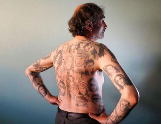 julia-roberts-tattoos3-550x422