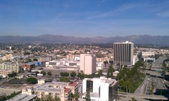 IMAG0124 (ilsinla) Tags: trees mountains downtown sunny bluesky 101 freeway tallbuildings