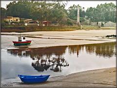 San Ciprian (celicom) Tags: mar arena galicia barcas reflexions lugo cervo sanciprian amariñalucense