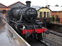 46443 (ClydeHouse) Tags: station locomotive steamengine 260 severnvalleyrailway kidderminster byandrew 46443 rainingagain lmsivattclass2