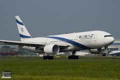 4X-ECB - 30832 - El Al Israel Airlines - Boeing 777-258ER - Luton - 110424 - Steven Gray - IMG_4837