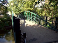 North Branch Pedestrian Footbridge #4 (Razel613) Tags: northpark pedestrianbridge northbranchchicagoriver placestowalk eugenefieldpark bikeandwalkingpath placestobike eliezerappleton