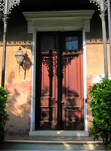 doorway on Court Street (c2011 FK Benfield)