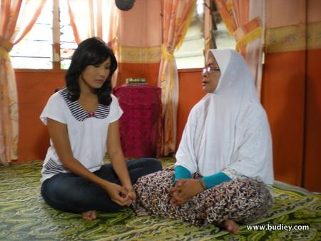 Hani Kausar dan Fauziah Nawi dalam Taubah