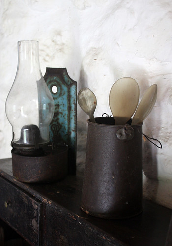 Bell Pol's lamp and horn spoon collection