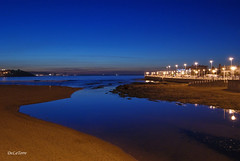 Playa San Lorenzo - piles - Gijn (DeLaTorre 73) Tags: blue sunset espaa costa naturaleza beach nature rio azul marina river landscape spain san sony magic asturias playa paisaje lorenzo hour hora alfa 230 gijon piles autofocus wow1 wow2 wow3 blueazul playasanlorenzo relejo playasanlorenzogijon mygearandme mygearandmepremium mygearandmebronze mygearandmesilver mygearandmegold mygearandmeplatinum mygearandmediamond ringexcellence dblringexcellence tplringexcellence pilesgijon puenteriopiles puenteriopilesgijon riopilesgijon aboveandbeyondlevel1 flickrstruereflection1 flickrstruereflection2 eltringexcellence aboveandbeyondlevel2