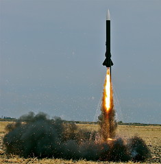 [フリー画像] 社会・環境, 科学, ロケット, 201106060100
