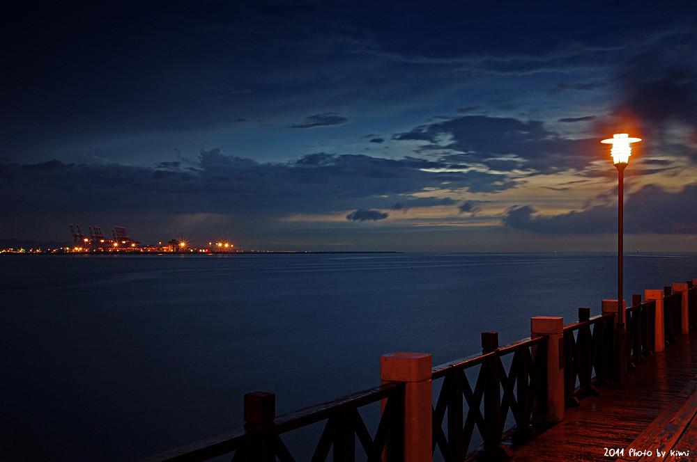 大雨前的漁人碼頭夕陽