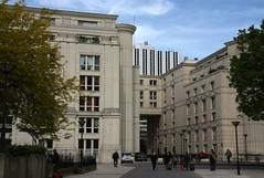 """Les Echelles du Baroque"" buildings by Ricardo Bofill in Paris 14th - Towards Place de Catalogne (Sokleine) Tags: paris france architecture 20thcentury montparnasse iledefrance bofill ricardobofill 75014 20mesicle"