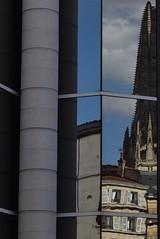 Le contemporain brouille l'ancien (bonnaudthomas) Tags: reflection reflet glise church niort