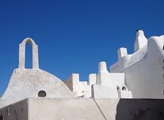 """PYRGOS - Isola di Santorini - GRECIA """"EXPLORE"""" (cannuccia) Tags: paesaggi landscape santorini grecia pyrgos architettura bianco cieli comignoli dettagli virgiliocompany"""