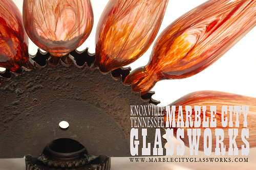 burst 2 rosa close1 by Marble City Glassworks