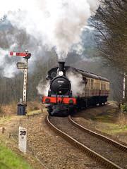 J15 Climbing Kelling Bank (Gerry Balding) Tags: england train smoke norfolk engine steam signals rails locomotive coaches eastanglia northnorfolkrailway milepost lner northnorfolk j15 uksteam 65462 thepoppyline kellingbank mgnr
