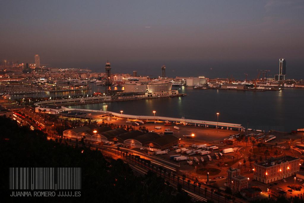 Noche en el Puerto de Barcelona