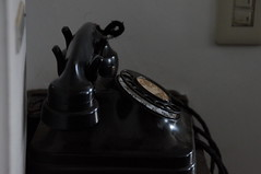 黒電話 old telephone