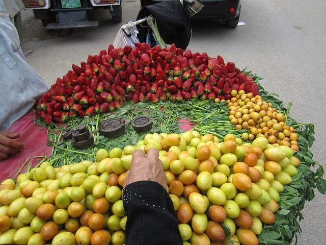 Fresh Berries in Lahore