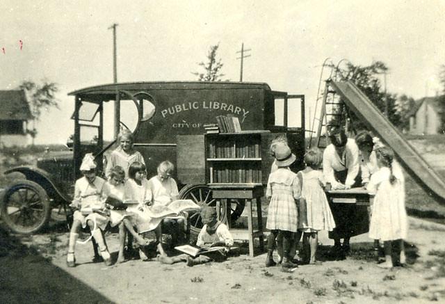 bookmobile-1917b