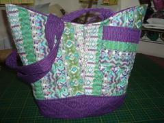 B-BARCO (ArteTerapia) Tags: bag purse fuxico sue patchwork handbag bolsas riscos aplicacao apllique passoapasso bolsadetecido