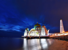 call it a day IV - Blue Hour (sirman88) Tags: blue sky cloud seascape motion reflection water misty architecture night star interestingness nikon nightshot rocky mosque tokina malaysia slowshutter bluehour f8 melaka masjid pantai scapes 2011 d90 pulaumelaka masjidselat tokina1116 f8bethere sirman azmanrahman