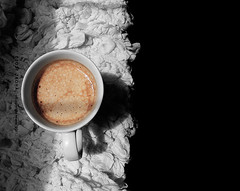 صباحك قهوة (DLo3t 2boha) Tags: canon قهوه كوب صباح اسود كانون ابيض كابتشينو canong11 كانونجي11 دلوعةابوها صباحكقهوه moorninig dlo3t2boha