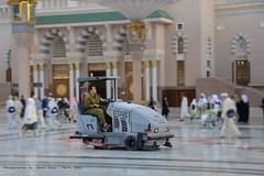 Haram Captor (Yavuz Alper) Tags: machine cleaning pan cleaner panning sarabia medine mescidinebevi peygamber mescidi hadim d7000 haremeyn sarabistan haramcaptor