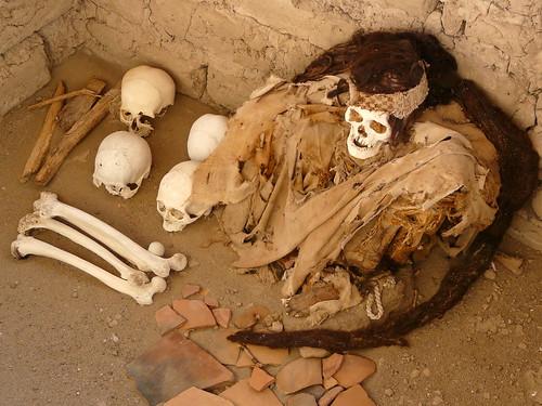 Momie nazca au cimetière de Chauchilla