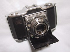 Zeiss Ikon, Ikonta 35 with Tessar 45mm F2.8 (bergheil) Tags: zeiss zeissikon ikonta tessar tessar45mm ikonta35