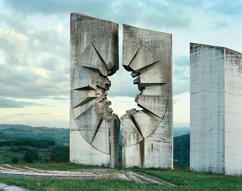 Spomeniks - HAUS images
