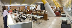 Sala Dalí - Rincón del Vino (Iberia Airlines) Tags: madrid lounge sala vip mad flughafen airlines compagnia iberia terminal4 barajas aerea aeropuertos fluggesellschaft aerolínea