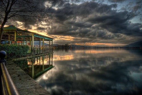 Sunset in Ioannina (Kyra Frosini)