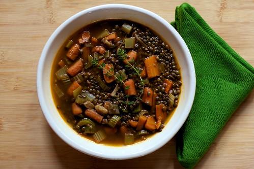 Spicy Roasted Garlic & Lentil Soup
