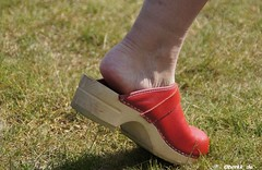 Red Sanita Clogs (berkk_de) Tags: sandals clogs sanita woodenshoes woodenclogs woodensandals berkemann klox