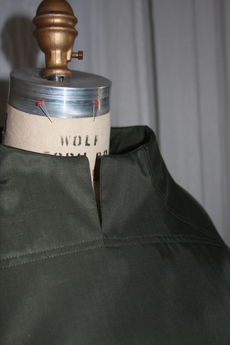 Front neckline seaming detail