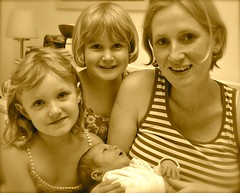 (coco_palme) Tags: family face sisters children born child charlotte familie young kinder stefan kind paula coco schwestern palme luise kindheit schweighofer